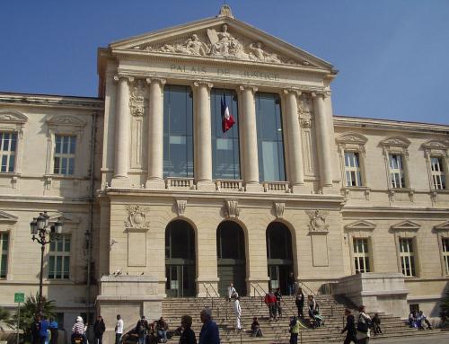 Rassemblement de soutien devant le palais de justice de Nice.